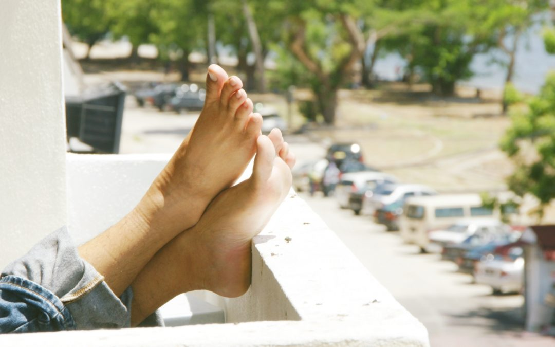 How to Keep Your Feet Cool in a Heatwave