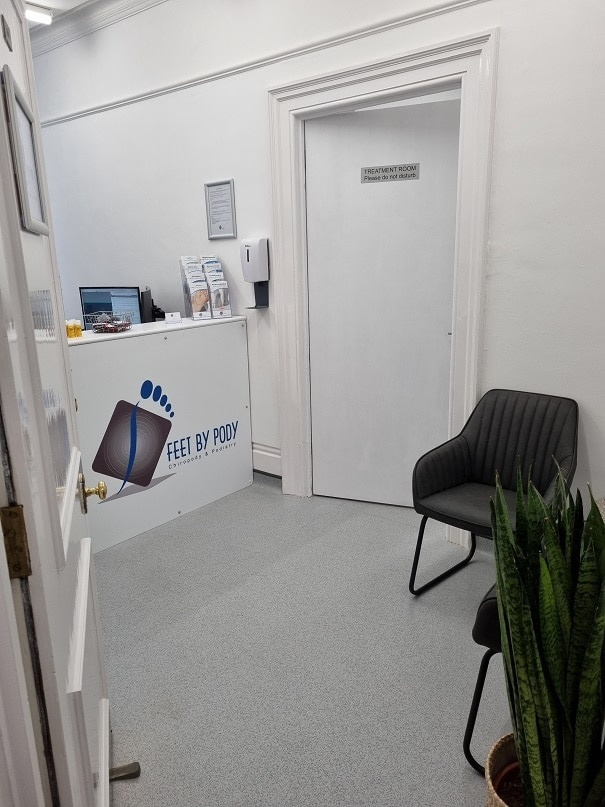 Clinic waiting room b